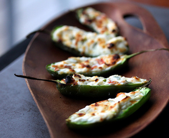 It's Super Bowl w-end! Grilled Pepper Poppers