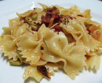 Farfalle com bacon