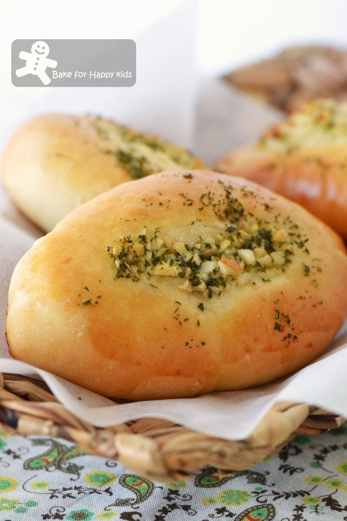 "The Unforgettable ""Singapore"" Garlic Bread"