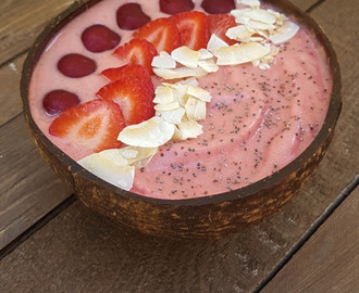 Smoothie Bowl de Banana e Morango