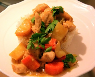 SAWCLicious Recipe: Chicken Curry with Potatoes and Carrots