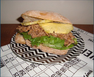 Pulled pork sandwich with pineapple