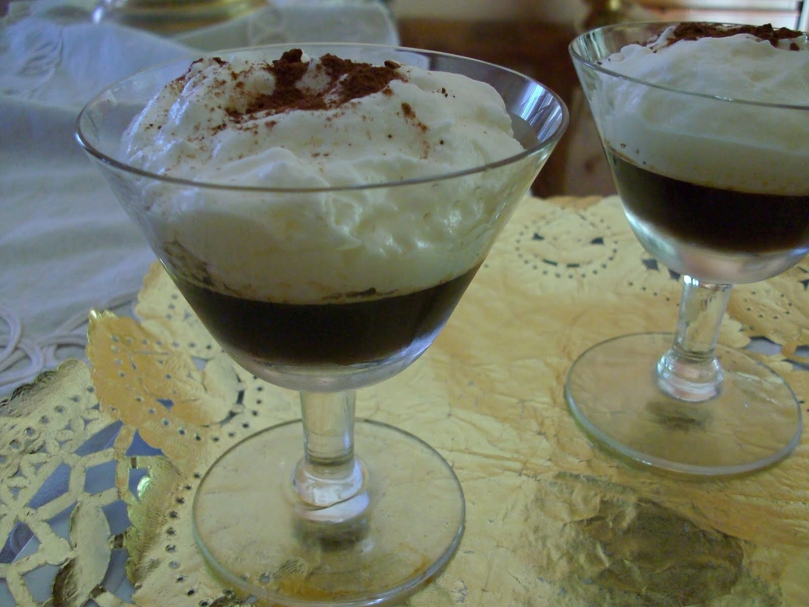 Crema de chocolate blanco y gelatina de cafe