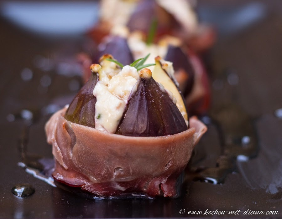 Feigen mit Ziegenkäse und Honig/ Figs with goat cheese and honey