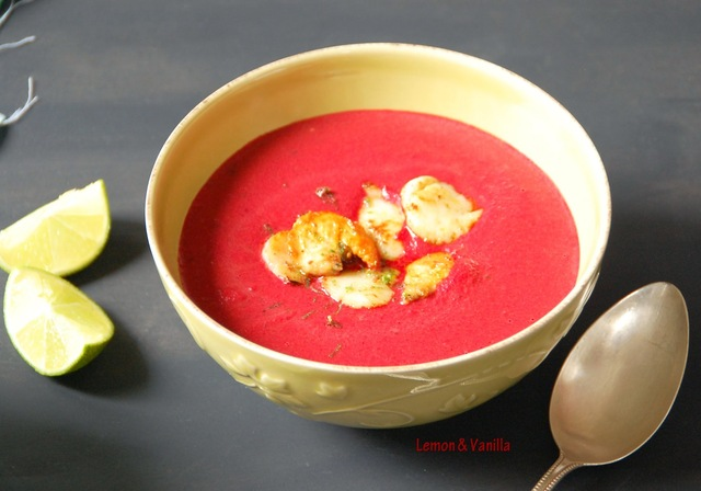 Beetroot and coconut milk soup, topped with lime juice marinated scallops / Sopa de beterraba e leite de côco, com vieiras marinadas em sumo de lima.