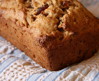 Date-Nut Loaf Bread