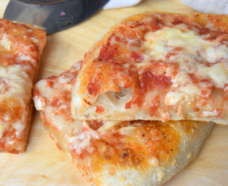 Pizza in teglia con pasta madre
