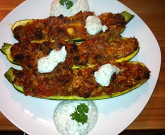 Gefüllte Zucchini (Weight Watchers)