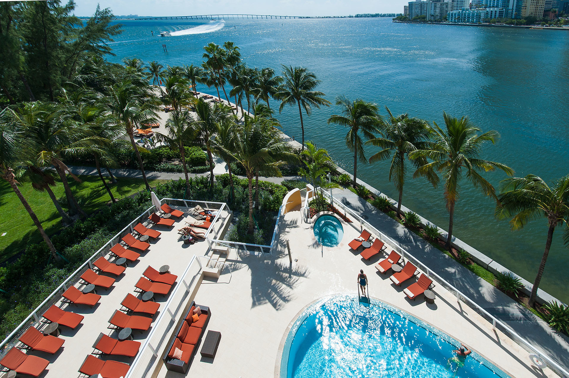 Food, Drink And Hotel Tips For Your Next Miami Trip