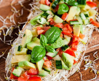 Fit & Healthy-Friday – Power-Stulle mit Avocado, Tomaten, Gurke und Sprossen