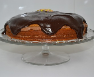 PASTEL DE CHOCOLATE RELLENO DE MOUSSE DE MASCARPONE CON CHOCOLATE