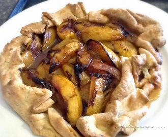 {Recipe} - Grilled Plum and Nectarine Crostata