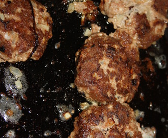 {Tastes on Tuesday} Homemade (gluten free) hamburgers