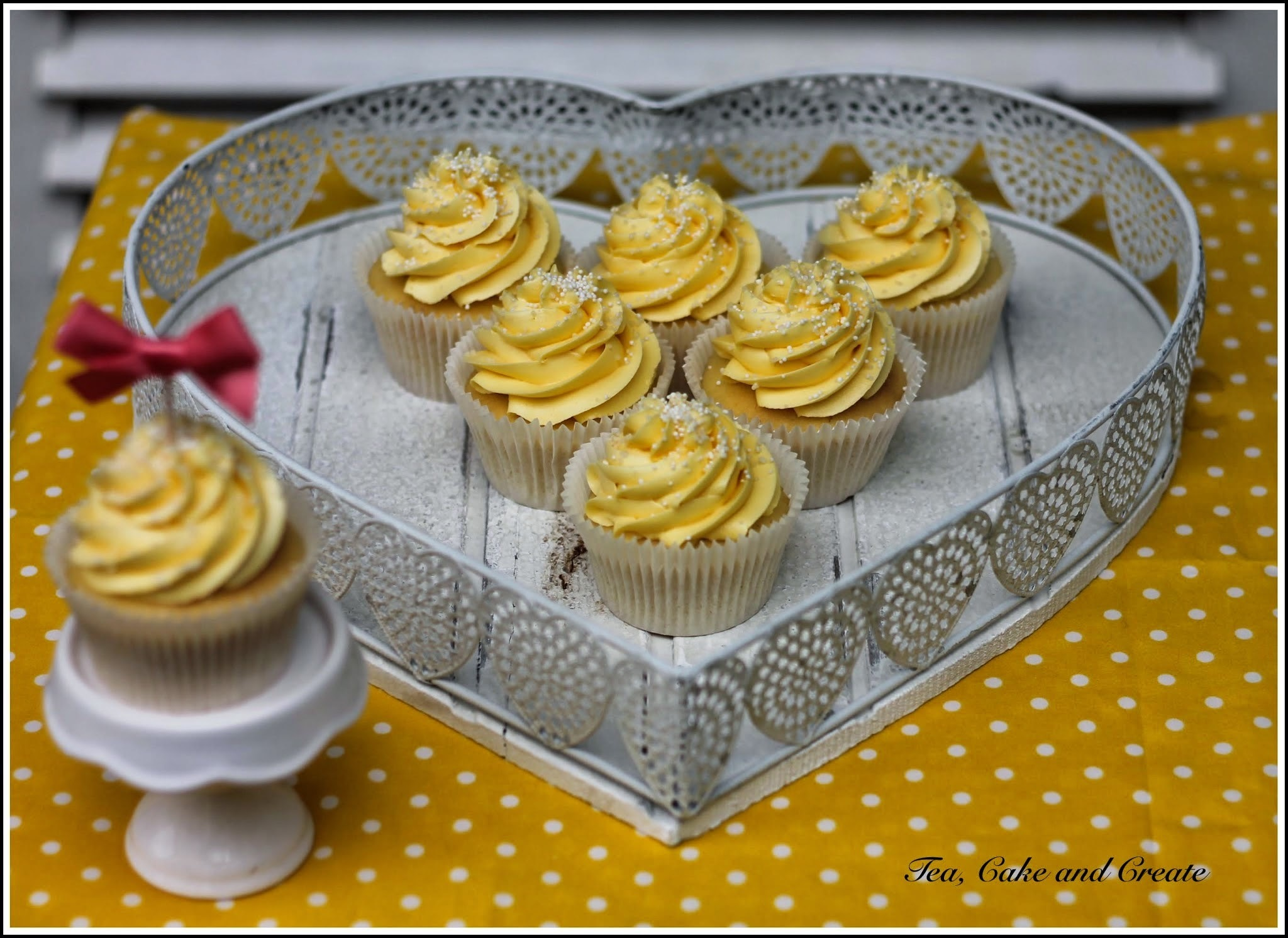 Vanilla Cupcakes with Marshmallow Cream Secret Centres