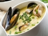 Quick Garlic-Mussel Soup