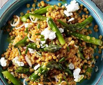 LENTIL SALAD WITH ASPARAGUS AND GOAT'S CHEESE