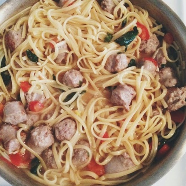 One Pot Sausage, Spinach and Tomato Pasta