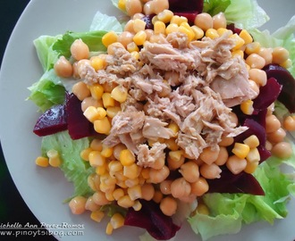 Lettuce, Beets, Chickpeas and Corn Salad