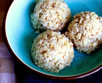 Healthy Coconut Macaroons (Raw)