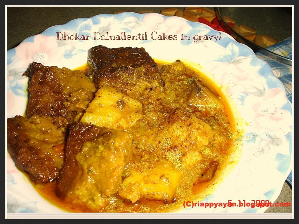 Dhokar Dalna (Lentil Cakes in a spicy gravy) ~A Bengali Delight