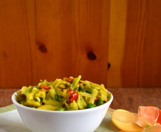 Patta Gobi Matar Sabzi | Cabbage & Peas Stirfry Recipe