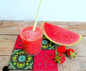 Jus fraises - pastèque au Juice Expert de Magimix (Watermelon and strawberry juice)