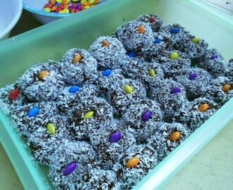 Homemade, No-bake Chocolate Munchkins