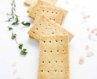 3-Ingredient Paleo Crackers (Low Carb, Gluten-free)