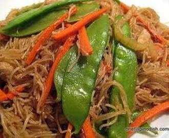 Pancit Bihon Guisado (Rice Sticks Noodles with Vegetables) Recipe