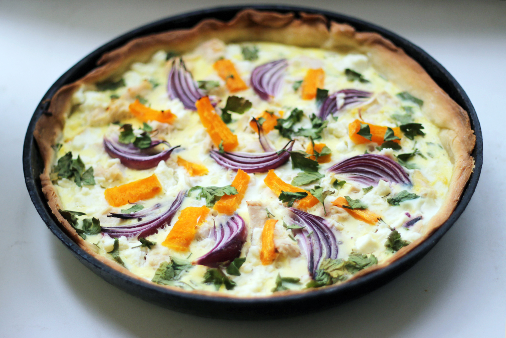 Pumpkin pie with feta and onion