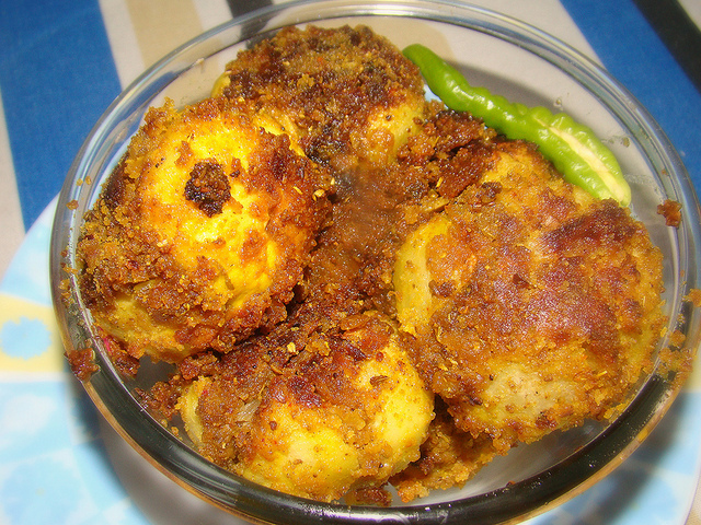 Stuffed Indian round gourd recipe, how to make Masala bharwan tinda