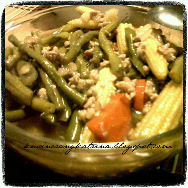 Beef stir fry with baby veggies