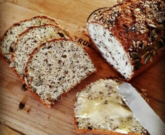 LCHF BANTING FRIENDLY SEED LOAF