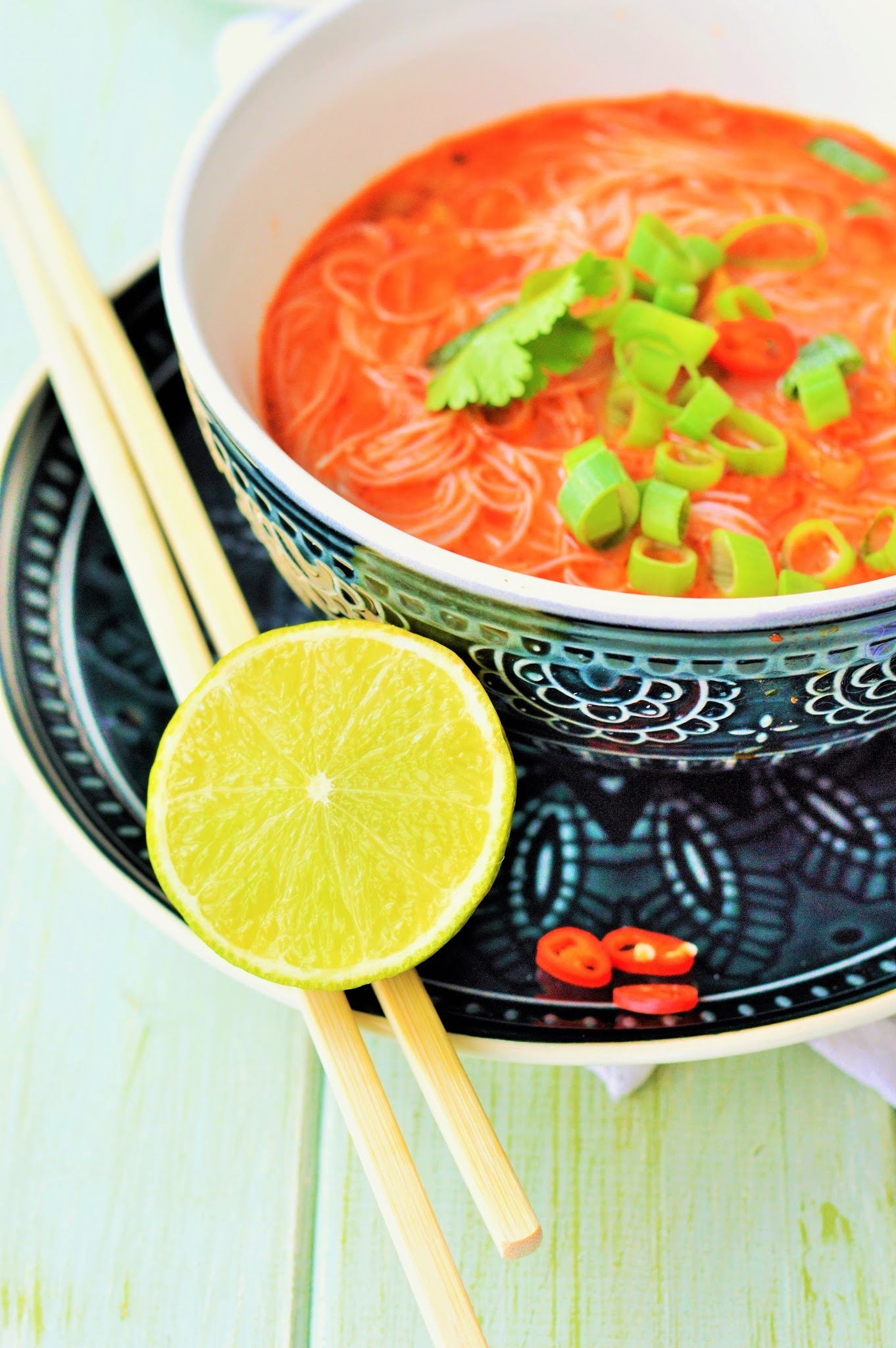 Scharfe Thai Suppe (vegan)