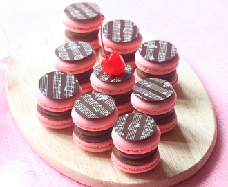 Шоколадно-вишнёвые макаронс / Macarons de chocolate e cereja