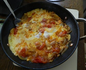Egg in Tomato & Onion Torta