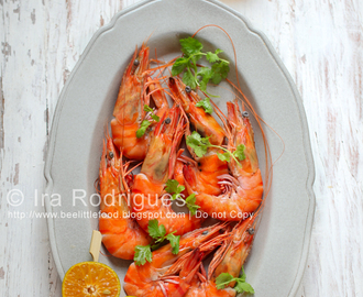 Cilantro Prawn With Spicy Garlic-Lime Dipping Sauce