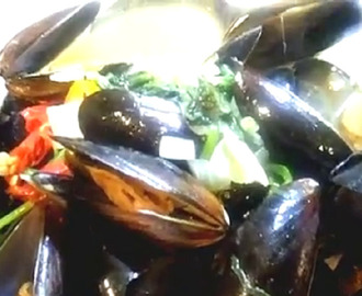 HOW TO COOK SINABAWANG TAHONG (GREEN MUSSELS SOUP)
