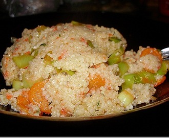 Cous cous sa prženim povrćem i usoljenim lososom/Cous cous with roasted vegetables and salted salmon