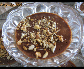 Mousse de Chocolate com Manteiga de Amendoim