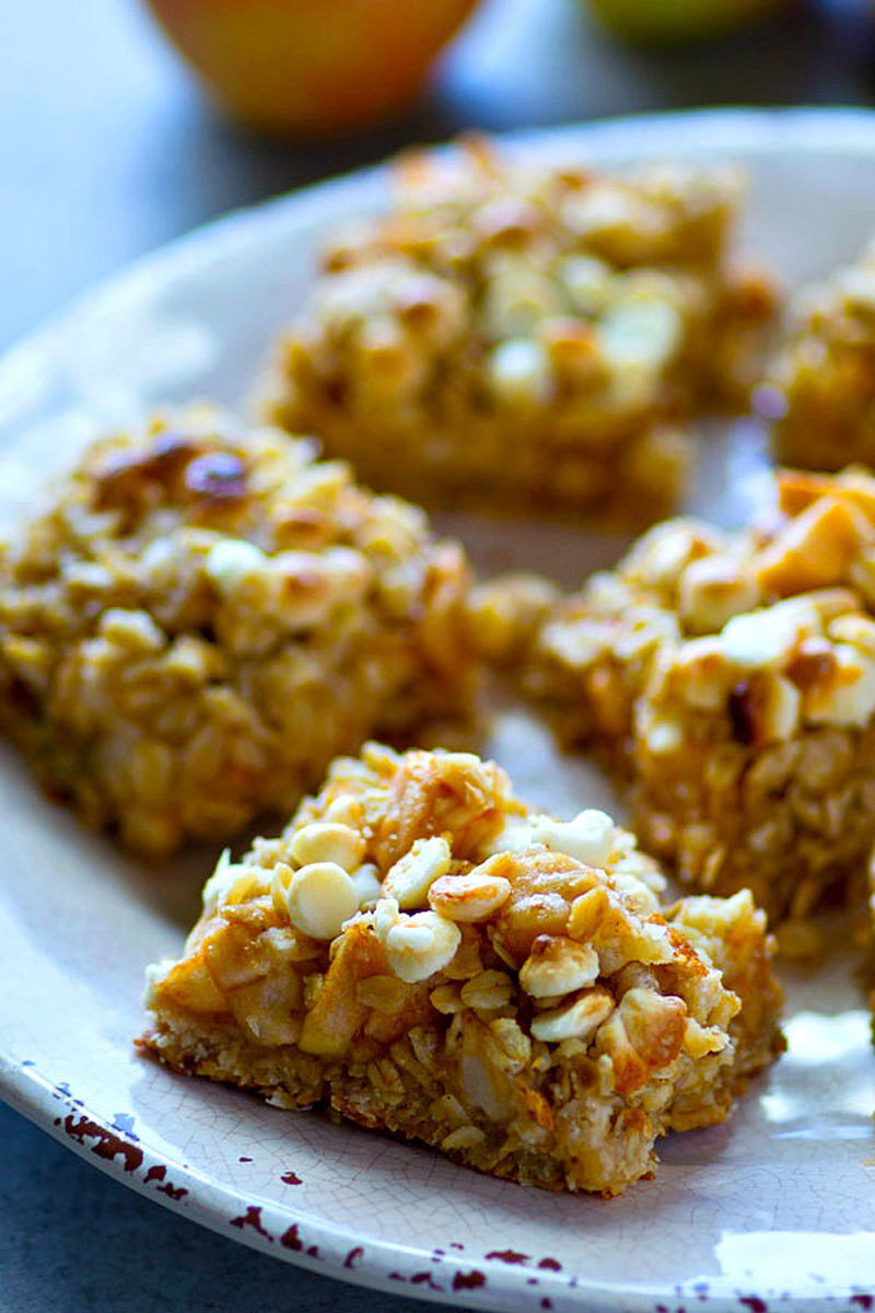 White Chocolate Oatmeal Apple Cookie Bars