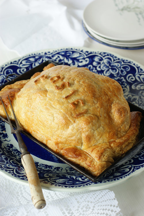lifeisazoobiscuit wrote a new post, whole #chicken pie - 16th century tudor style pie, on the site lifeisazoobiscuit