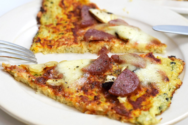 Low Carb Pizza (Blumenkohlboden)