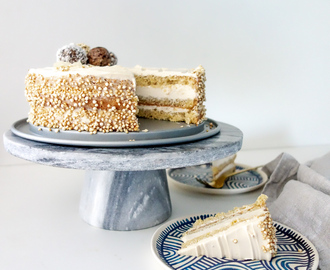 Koffie caramel cheesecake met bliss ball topping