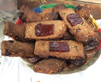 GALLETAS DE JENGIBRE, CHOCOLATE, NUECES Y ALMENDRAS