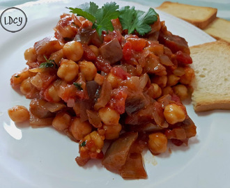 ENSALADA DE BERENJENAS Y GARBANZOS/ EGGPLANT AND CHICKPEAS SALAD