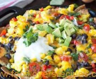 EASY SKILLET BREAKFAST NACHOS