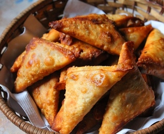 Crispy Vegetable Samosa Recipe / Veg Samosa Recipe