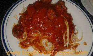 ITALIAN MEAT BALLS ON SPAGHETTI