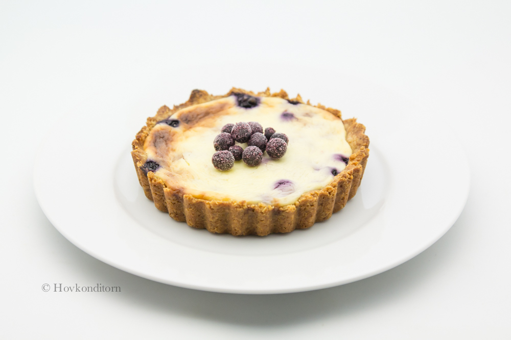 Blueberry Pie with Sour Cream
